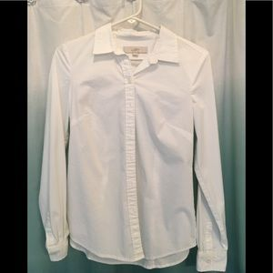 Loft fitted button up blouse Nwot